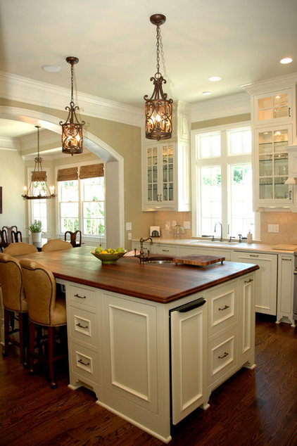 Traditional Kitchen by Keystone Millworks Inc