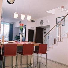 Contemporary Kitchen by Adva