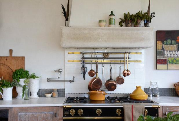 Mediterranean Kitchen by Lee Caroline - A world of Inspiration