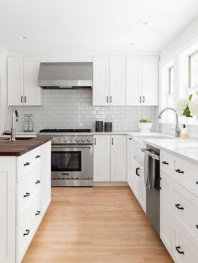 Farmhouse Kitchen by Beige and Bleu Design Studio