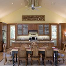 Contemporary Kitchen by John Lum Architecture, Inc. AIA