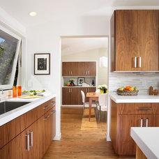 Contemporary Kitchen by Cillesa Interior Design & Space Planning