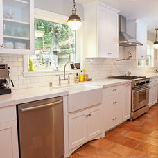 Traditional Kitchen by Drafting Cafe
