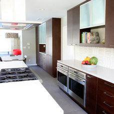 Midcentury Kitchen by Paragon Kitchen & Bath Studio