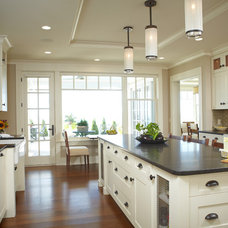 Traditional Kitchen by Zahn Builders Inc.