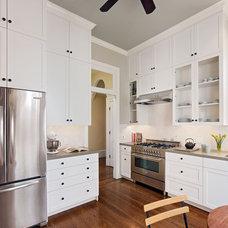 Kitchen by Boor Bridges Architecture