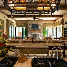 Mediterranean Kitchen by McHarris Planning and Design