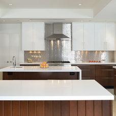 Modern Kitchen by RD Architecture, LLC