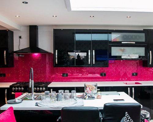 Black kitchen design ideas renovations photos with pink for Pink and black kitchen ideas