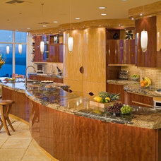 Contemporary Kitchen by KZ DESIGN GROUP