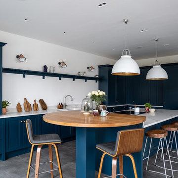 Plain Shaker in Hague Blue by Farrow & Blue