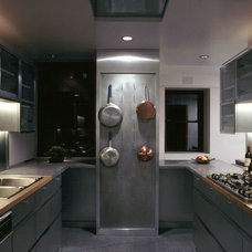 Contemporary Kitchen by PMWArchitects
