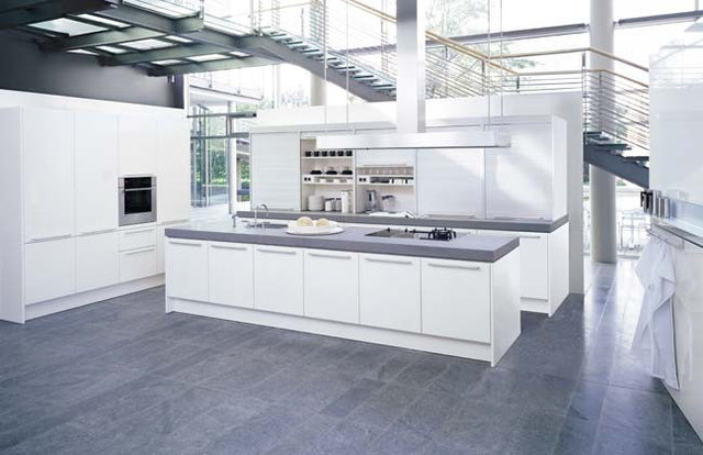 Modern Kitchen by poggenpohl.de