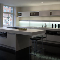 modern kitchen by Poggenpohl