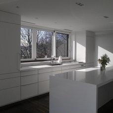 Modern Kitchen by Poggenpohl