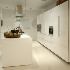 Contemporary Kitchen by poggi design