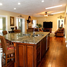Traditional Kitchen by Jamco Unlimited Inc