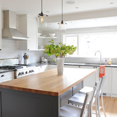 Transitional Kitchen by Eyco Building Group Ltd.