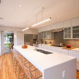 Amazing Mid Sized Modern Open Concept Kitchen Remodeling   Example Of A Mid Sized  Minimalist