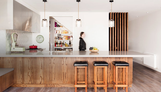 Midcentury Kitchen by Alexandra Buchanan Architecture