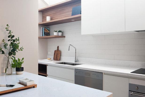 vorher nachher eine kleine dunkle k che wird hell und licht. Black Bedroom Furniture Sets. Home Design Ideas