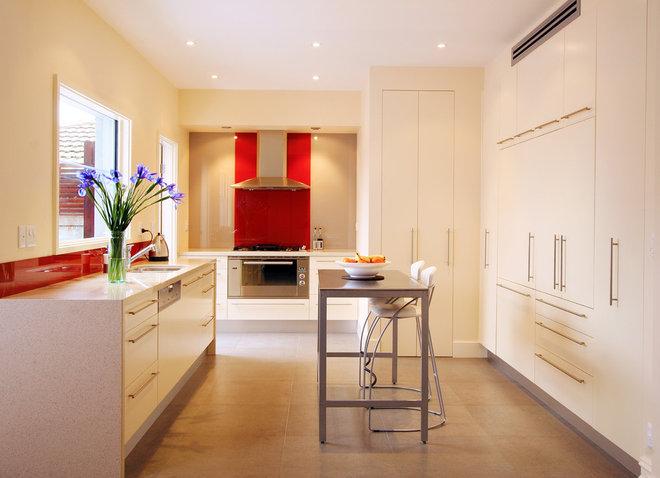 Contemporary Kitchen by Kitchen Update Pty Ltd