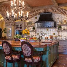 Mediterranean Kitchen by Herscoe Hajjar Architects, LLC