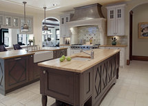 what is the ceiling height in this kitchen?