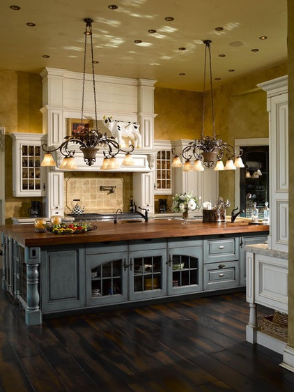 Kitchen by Angela Otten; WmOhs Showrooms Inc