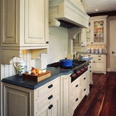 Kitchen by Angela Otten; WmOhs Showrooms Inc