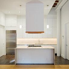 Modern Kitchen by Carl Wooley