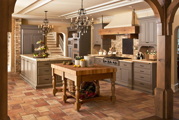 Traditional Kitchen by Edmunds Studios Photography, Inc.