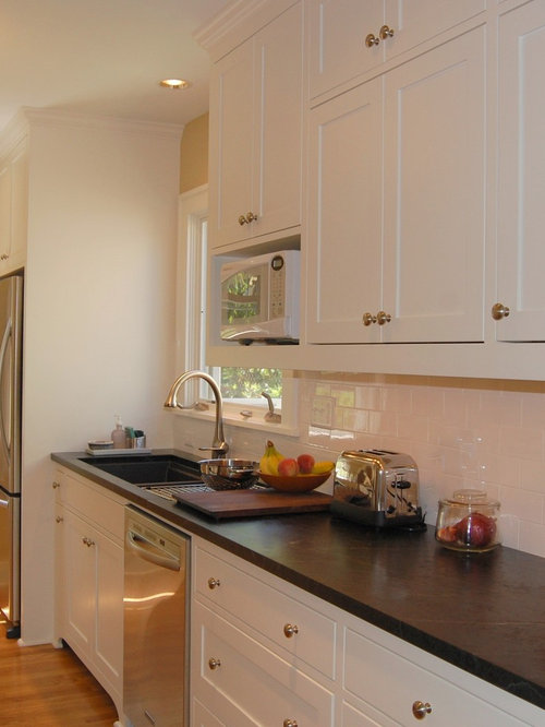 Affordable 10 ft wide kitchen design ideas renovations for 7 ft kitchen cabinets