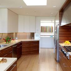 Modern Kitchen by Pamela Pennington Studios