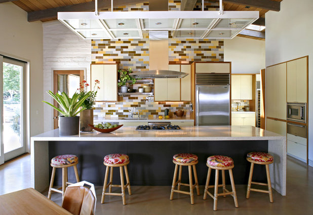 Contemporary Kitchen by The Office of Charles de Lisle