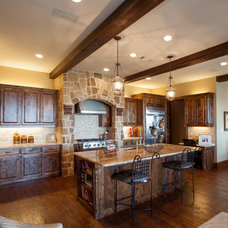 Rustic Kitchen by Scarlett Custom Homes & Remodeling