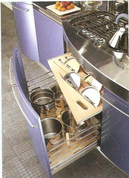 Modern Kitchen Pot Lid Organization