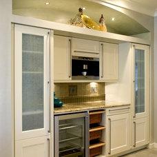 Contemporary Kitchen by Elite Kitchens