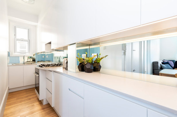 Contemporary Kitchen by Refresh Renovations Illawarra Guy Allenby