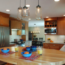 Rustic Kitchen by Kresge Contracting Inc.