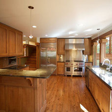 Traditional Kitchen by rus architects/renderers, inc.