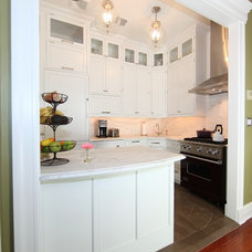 Traditional Kitchen by Jazzbo Incorporated