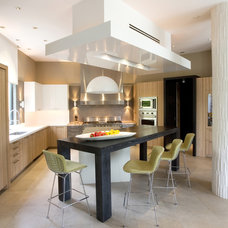 Contemporary Kitchen by Allen Saunders, Inc.