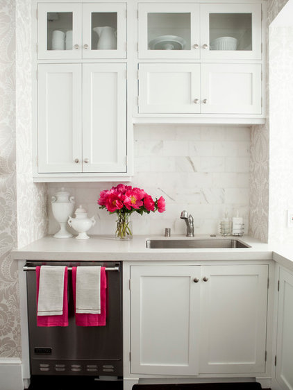 Traditional Kitchen by Caitlin Wilson