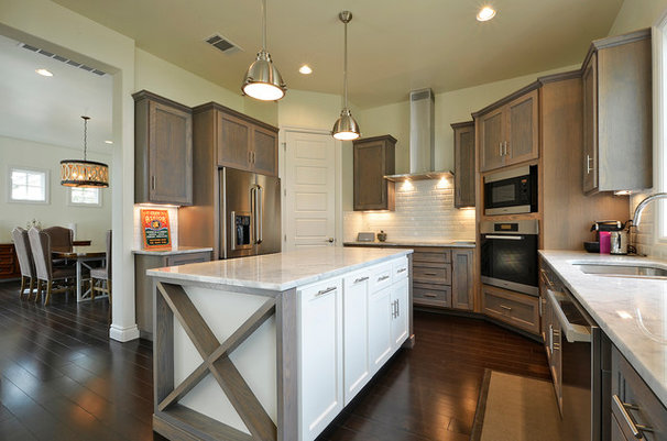 Contemporary Kitchen by JD Hunt Construction