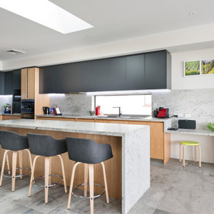 Inspiration for a contemporary kitchen in Perth.