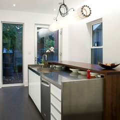 modern kitchen by Linebox Studio