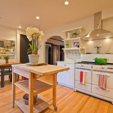Transitional Kitchen by Robert Young for Mitchell Gold + Bob Williams