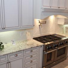 Traditional Kitchen by Jackson Stoneworks