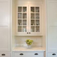 Traditional Kitchen by Dennison and Dampier Interior Design